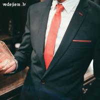 Branchess kāzu uzvalki pārliecinošam koptēlam