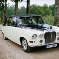Daimler Jaguar DS-420.