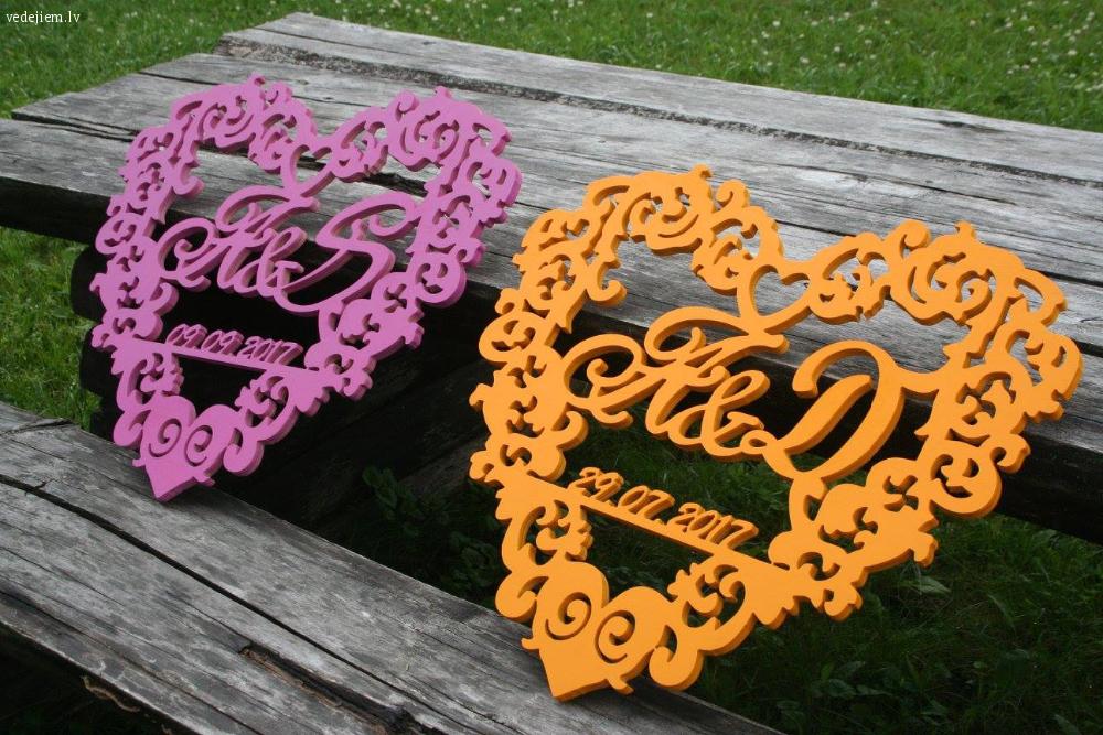 Personalizēti dekori kāzām - ģimenes ģerboņi, numuri, burti