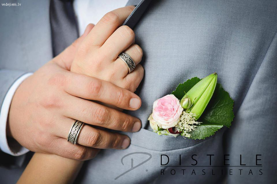 Eleganti laulību gredzeni pēc individuāla pasūtījuma