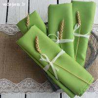 Koši zaļas auduma salvetes