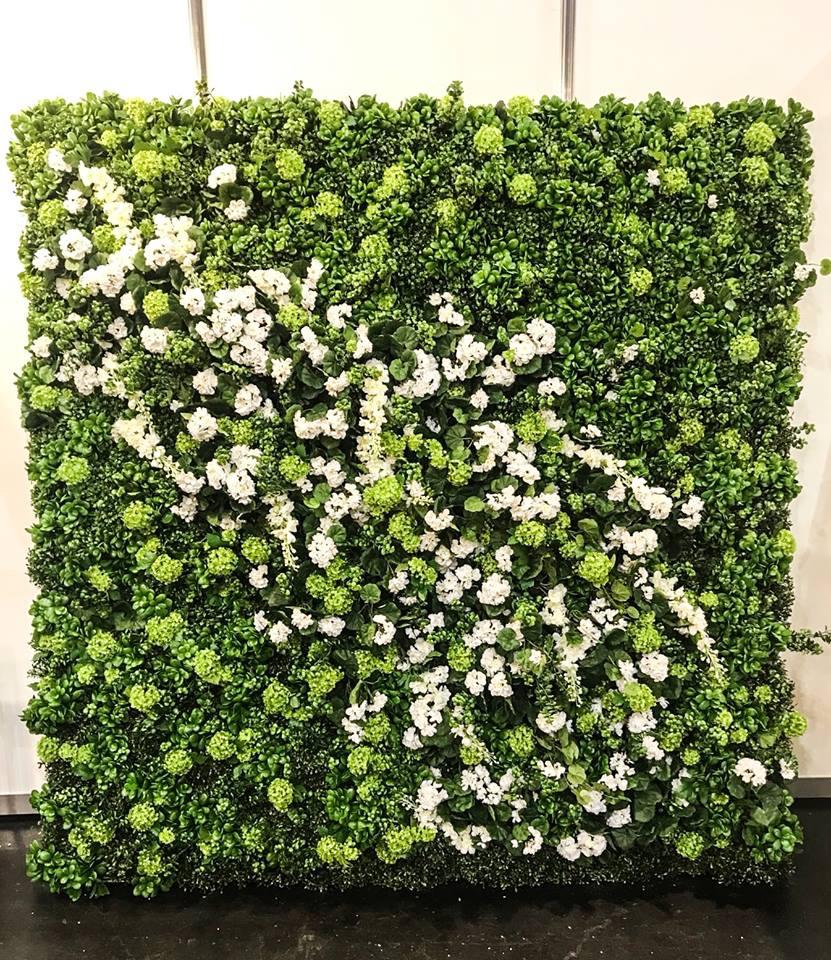 Mākslīgo ziedu fotosiena