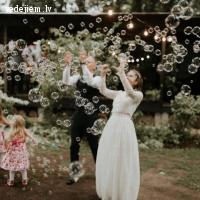 Mārtiņa Burbuļi | Ziepju burbuļu atrakcija Jūsu kāzu svinībām